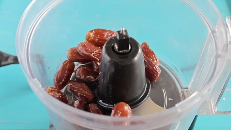 Whole dates in a food processor